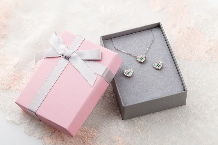 Jewelry Anniversary Gifts