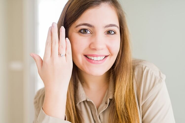 How to Show Off Your Engagement Ring